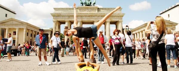 Isabel Essen AcroYoga Stuttgart Germany